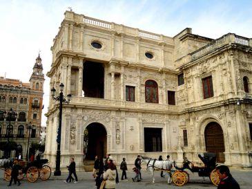 Concluye la restauración del arquillo del Ayuntamiento y en verano arranca la fachada de San Francisco